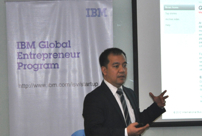 Photos shows Ferdie Macatangay, country channels manager for software group at IBM Philippines providing an overview of the IBM Global Entrepreneur Program to participants