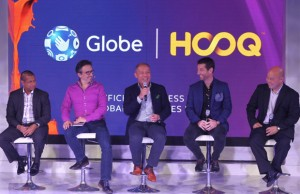 Shown during the Globe-HOOQ partnership launch are (from L-R) Warner Bros. digital distribution vice president for business strategy Anuraj Shavantha Goonetilleke, HOOQ CEO Peter Bithos, Globe Telecom president and CEO Ernest Cu, Globe Telecom senior advisor for consumer business Dan Horan, and Sony Pictures executive vice president for networks George Chung-Chi Chien