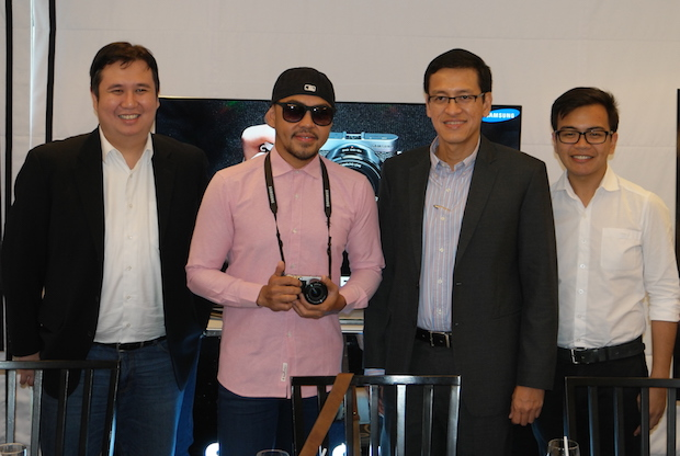 Samsung PH executives with brand ambassador Xander Angeles (2nd from left)