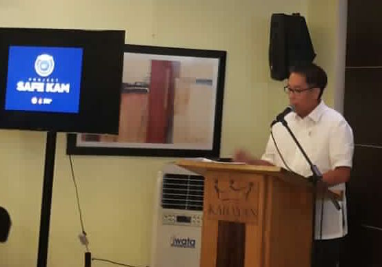 DILG chief Mar Roxas leads the launch of the anti-crime campaign using CCTVs