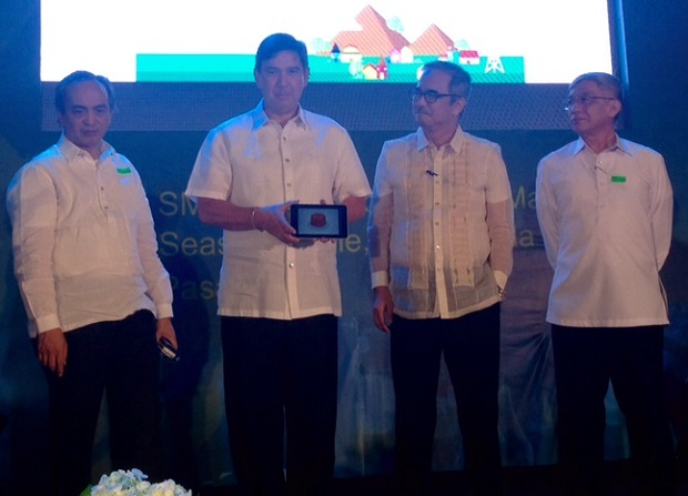 Sen. Ralph Recto (2nd from left) during the launch of the Free Wi-Fi Project in 2015