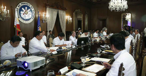 President Benigno S. Aquino III presides over the Neda board meeting at Malaca?ang on July 15