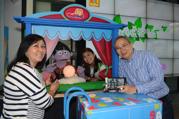 From left to right are: Community of Learners Foundation director Feny de los Angeles, well-loved Batibot character Manang Bola, Smart senior manager for education Stephanie Orlino, and Smart public affairs head Mon Isberto