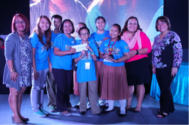 The team from Baclaran Elementary School II accompanied by scientist-coach Engr. Martha Dealino (second to left). Also in the photo are Ruby Cristobal of DOST-SEI (leftmost), Desiree Gestiada (second to right) of Manila Ocean Park, and DOST Undersecretary Rowena Cristina Guevara (rightmost)