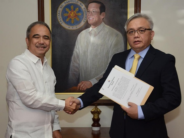 Former DOST assistant secretary and now National Privacy Commission  commissioner Raymond Liboro took his oath before DOST secretary Mario Montejo