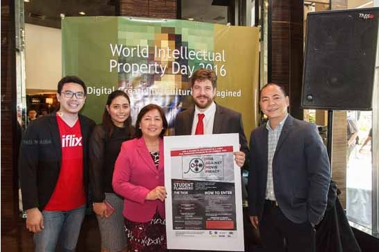 Photo shows (from left): Sherwin Dela Cruz, country manager of iflix; Valerie Domantay, head of legal of Solar; director-general Josephine Santiago of IPOPHL; Brian Breuhaus, economic officer of US Embassy, and Jeffrey Remigio, director of content and programming at HOOQ