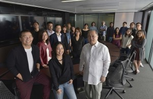 D5Studio employees with PLDT chair Manny V. Pangilinan, incoming TV5 chief Chot Reyes, and digital marketing head  Lloyd Manaloto