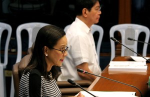 Sen. Grace Poe leading the Senate hearing on the proposed emergency powers for the transport sector. With her is Sen. Panfilo Lacson