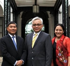 Photo shows (from left) National Privacy Commission deputy commissioner Ivy Patdu, commissioner Raymund Liboro, and deputy commissioner Dondi Mapa