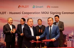 Photo shows (front row) PLDT and Smart chairman, Manuel V. Pangilinan with Huawei Philippines CEO Jacky Gao Kexin after the MOU signing. Also shown are (back row, from left) Ray C. Espinosa, chief corporate services officer at PLDT and Smart; Ricky Vargas, head of the business transformation office of PLDT and Smart; and Eric Xu, rotating CEO of Huawei, and David Wei, president of Huawei South Pacific region, as witnesses