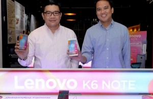Photo shows Lenovo mobile business group Philippines country manager Dino Romano (left) and Lenovo mobile business group Philippines marketing manager Vincent dela Cruz