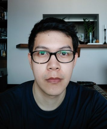 Here is a selfie using the regular 16-megapixel front-facing camera