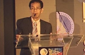 UP professor emeritus Epictetus Patalinghug presenting his study at the Philippine Telecom Summit last March