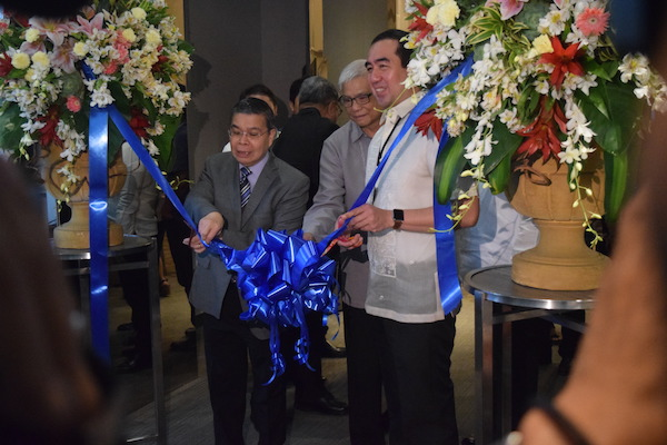 DICT secretary Rodolfo Salalima and Comelec chair Andres Bautista opened the AES fair