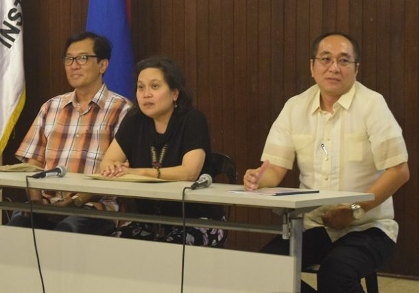 Photo shows (from left) Nick Decoampo, UP-CMC associate dean Arminda Santiago, and SEI deputy director Albert Mariño