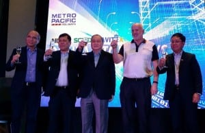 MPTC chairman Manuel V. Pangilinan (center) leads a toast during the launch of the Digital Tollway Program. Others in photo are Orlando B. Vea, president and CEO of Voyager Innovations (left); Rodrigo E. Franco, MPTC president and CEO; Peter Maher, president and CEO of AF Payments; and Luigi Bautista, Cavitex president and CEO