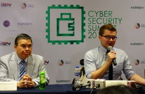 Kaspersky Lab chief security researcher Vitaly Kamluk (right) with DICT secretary Rudy Salalima during the recent CyberSecurity Summit 2017