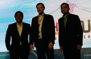 IBPAP president and CEO Rey Untal and CCAP president Jojo Uligan flanks tech guru Richard Jones, VP, Sales Asia Pacific, Autonomous Anywhere, who delivered the keynote speech at the 9th IT-BPM International Summit in Makati City. (EKU)
