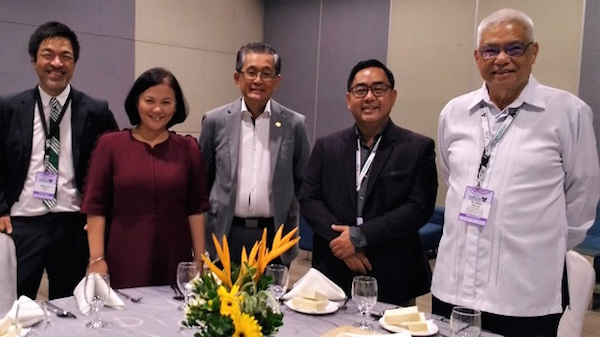 ​At Softcon.ph on Oct. 24. From right: DICT Undersecretary and OIC Eliseo M. Rio Jr., PSIA President Jonathan de Luzzuriaga, DICT Undersecretary Monchito Ibrahim, Ambe Tiero of Accenture, and PSIA VP Winston Cruz. (EKU)