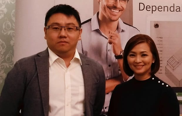 Acer executive Kevin Chuang (left) and Carren Garcia
